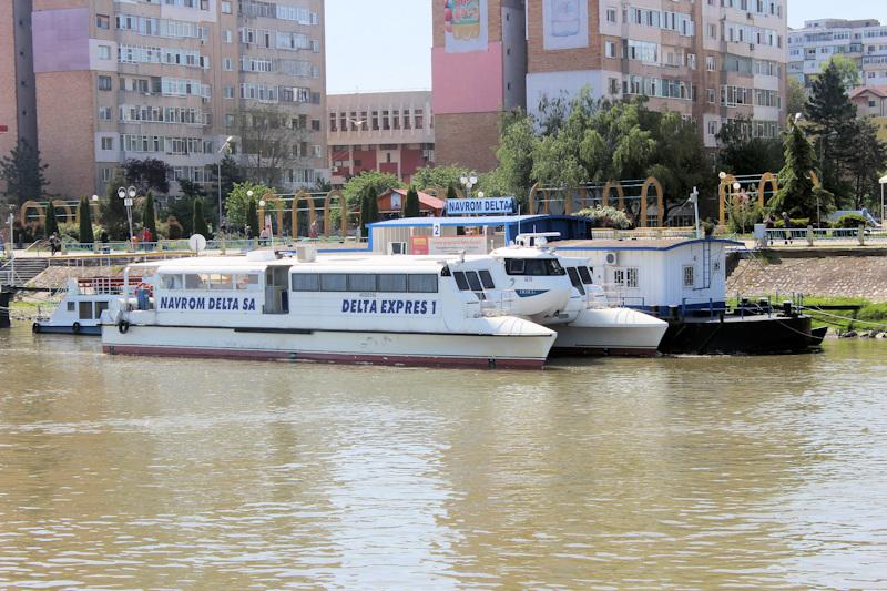 Catamaran - Delta Expres 1 => am Liegeplatz in Tulcea
